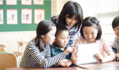 ICT化とは?働き方を変える教育・保育現場での活用事例